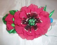 Красивые и нарядные украшения для маленьких леди. Красивые цветы канзаши, смотрятся празднично и могут подойти к любому наряду. Каждый заказ обсуждается индивидуально и выполняется в максимально короткие сроки. Цветок сделан на заколке-стрела, по индивидуальному желанию можно сделать под резинку, обруч. Размер 17х12см.