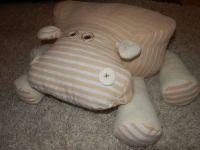 """Авторская подушка-игрушка """"БЕГЕМОША"""" - позитив, уют и украшение интерьера! Стоит его обнять, - уйдет тревога, стресс, а на смену придет отличное настроение! Станет прекрасным подарком и ребенку, и взрослому! Основные цвета - молочный и карамельный. Р-р туловища 33см*33см*15см,ноги длиной 17 см"""