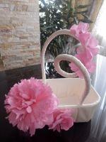 """Корзина свадебная """"Пион"""" - авторская ручная работа.  Очень нежная и романтичная. Цветы - из фоамирана.  Р-р: Высота - 27 см, ширина 23 см.  Подойдет для лепестков, конфет, подарков для гостей или денег.   Возможно изготовление корзин и других свадебных аксессуаров в подходящей вам цветовой гамме и размерах."""