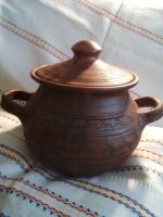 Баняк  керамічний для приготування страв в духовці, печі. Гончарний виріб з сірої глини. Виготовлений в техніці молочіння та лощення (полірування гладеньким камінцем). Молочений посуд термостійкий, вологостійкий та екологічний. Об'єм – 3л., радіус – 17см., висота – 17,5см.