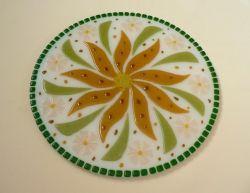 Блюдо для торта из стекла ручной работы, изготовленное по технологии фьюзинг. Диаметр 36 см. Сделаю на заказ. Изготовление возможно по ваших размерах и в выбранной гамме цветов. Срок изготовления 5-7 дней. Точная копия не возможна.