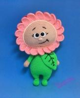 Вязаная куколка из серии Бонни – Бонни в костюме цветочка. Одежда не снимается. Размер – 27 см. Материалы – акриловая пряжа, наполнитель – холлофайбер. В шее – проволока.