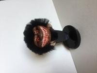 Брошь, кулон, заколка, сувенир на подставке- Зубастик - монстр. Персонаж из одноимённого фильма ужасов Стивена Херека - « Зубастики» . Сделан из полимерной глины, покрыт натуральным мехом, размер 5 см. Мастер сделал оригинальную деревянную подставку для броши. Отличный, прикольный подарок для любителей уникальных вещей. Носить брошь можно не только на лацкане пиджака, но и на воротнике любимой куртки, на поясе юбки в волосах заколов их шпильками, на сумке, застегивать ей кардиган, прикалывать к пальто, шубке или шапке из толстой пряжи. Также эта брошь может носиться как кулон.