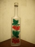 Декоративная бутылка ручной работы в технике росписи витражными красками. Может использоваться по назначению или как декор