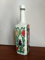Декоративная бутылка ручной работы в технике росписи красками. Роспись выполнена красками Pebeo, которые дают очнь интересный эффкт. Бутылка может использоваться по назначению