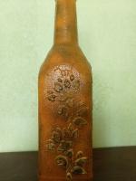 Декоративная бутылка ручной работы в технике объемногодекора. Декор выполнен акриловой пастой. Бутылка может использоваться по назеачению или как декор квартиры или офиса. Также это замечательный и уникальный подарок друзьям и близким