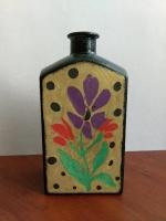 Декоративная бутылка ручной работы в технике росписи краскми. Бутылка прокрашена акриловыми красками. Роспись полнена красками Pebeo, которые имеют очень интересный эффект. Может использоваться по назначению