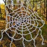 Декорація до святу Хеллоуин. Павутиння зв'язане гачком із акрилової нитки. Воно буде чудово та химерно виглядати під вашою стелею, створюючи святковий настрій.