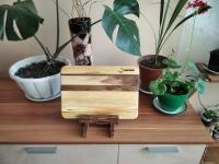 Кухонные доски -ручной работы. Обработка досок- минеральное масло.  Данная кухонная доска изготовлена из дерева- черешни, вставки - орех. Размер: 31 х 21 х 1.5 см