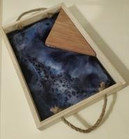 Деревянный декоративный поднос с эпоксидной смолой