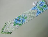 """Гердан """"Блакитний гібіскус"""". Гердан є однією з найстаріших жіночих прикрас.  Це універсальна прикраса, чудово підходить жінкам любого віку.  Виконаний в техніці """"верстатне ткацтво"""" з чешського бісеру по гердану Кайсиної Наталії (katusya). Довжина виробу з бахромою 56 см., ширина центрального елемента 7 см."""