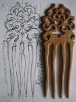 """Гребінь """"Барокко"""" вирізаний з коріння лісовоі вишні."""