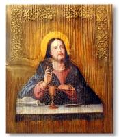 Матеріал: сосна. Обпалювання, брашування, вживлення зображення, акрилові фарби, техніка зістарювання, фінішний віск.  Це Євхаристія, або Святе Причастя. Згідно з Новим Заповітом Ісус започаткував це таїнство на Тайній Вечері, подавши апостолам хліб і вино на зміцнення душі і тіла зі словами: «Я — хліб живий, що з неба зійшов. Коли хто їсть цей хліб, житиме повік, а хліб, що я дам, це — тіло моє, що я дам за життя світу», «хто їсть тіло моє і п