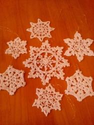 Новогодние игрушки - снежинки