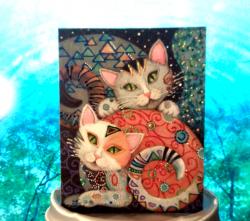 Открытка ручной работы с расписанным изображением и декорированием мелкими камушками. Подойдет на любой повод или просто для поднятия настроения