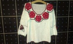 Блуза вязаная крючком,украшена цветами,хлопок с добавлением вискозы,р-р 46