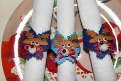 Оригинальные яркие кольца для салфеток или столовых приборов. Сервировка новогоднего праздничного стола. Материал -фетр синего и голубого цвета, украшены новогодними оленями. Набор из 6 колец.