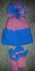 Двойная шапочка и двойные варежки для девочки 2-3 лет.  Нитки 50% шерсть, 50% акрил. Расцветка и модель по Вашелу выбору.