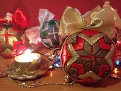 Новогодние игрушки для украшения елок, помещений, отличный подарок на Новый год, эксклюзивная ручная работа из итальянской ткани.  Выгодная цена, качественный материал, не бьется, размер 8 см, цена за штуку. Возможно изготовление на заказ, отправка Новой Почтой в другие города.