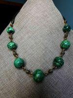 Ожерелье из керамических бусин в сочетании с латунными вставками и кожанным шнуром, длина 50-55 см