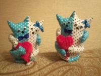 Текстильная игрушка Котики - неразлучники. изготовлены из хлопка, наполнитель - синтепон.