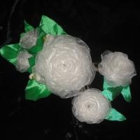 Красивые и нарядные украшения для маленьких леди. Красивые цветы канзаши, смотрятся празднично и могут подойти к любому наряду. Каждый заказ обсуждается индивидуально и выполняется в максимально короткие сроки. Цветы-розы сделаны на заколке-автомат и заколке тик-так (2шт.) из органзы и атласных лент, по индивидуальному желанию можно сделать под, обруч, заколку крокодил и т.д. Размер большого цветка 11х9см, маленьких цветочков 4,5см (диаметр). Оплата на карту, предоплата 100%. Отправка Новой Почтой, ИнТайм, Укрпочтой. Доставку оплачивает покупатель, кроме Укрпочты.