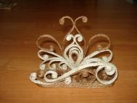 Салфетница ручной работы украсит любой стол. Это практичный и оригинальный подарок к любому празднику.
