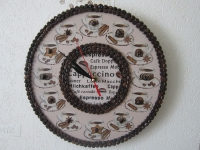 Настенные дизайнерские эко часы из зёрен кофе ручной работы, размер 30*30см. Прекрасное дополнение Вашему интерьеру. Подарок родным и близким. Часы сделаны полностью вручную из натуральных материалов при помощи техники декупаж.Кварцевый беззвучный механизм.