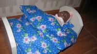 Кровать и постель для кукол. Большой ассортимент, в наличии и под заказ. Ручная работа! Набор кровать + постель + покрывало и подушка на кровать , коврик - 300 грн.