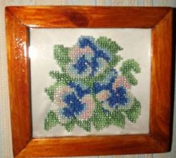 Картина из бисера - Анютины глазки с деревянной рамкой, 30грн