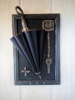 Ручная работа. Оригинальный подарок или декор. Зонтик из натуральной кожи. Размер 31**21 см на три крючка.