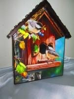 """Новинка! Ключница -домик """"Птички-невелички """", настенная вешалка в прихожую, детскую. Приятно заходить в квартиру, сияющую чистотой и порядком, в которой каждому будет удобно и уютно. Где каждая вещь имеет свое место. А если это место еще и красиво оформленное, с любовью к дому и хорошим вкусом, в соответствии с общим дизайном квартиры – оно станет предметом гордости хозяев и восхищения гостей. Ключница-домик """"Птички-невелички"""" с крючками может стать такой вещью. Размер 150 х 200 мм. """"Крыша"""" домика выполнена объемной, напоминает черепицу. Работа покрыта тремя слоями акрилового лака на водной основе Все материалы не токсичны.  Насколько еобходим под рукой такой предмет знают все, кто хоть раз искал ключи в спешке, перед выходом из дома. Этот предмет также можно использовать как вешалку в детской комнате."""
