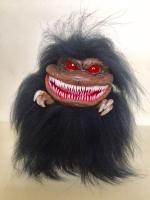 """Коллекционная, итерьерная, сувенирная, авторская кукла - Зубастик- монстр. Фантастичный персонаж из одноименного фильма ужасов Стивена Херека - """"Зубастики"""". Изготовлен из полимерной глины, покрыт натуральным мехом. Размер - 16см. Готовая работа. Эксклюзивный, прикольный подарок."""