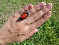 Кольцо ручной работы, изготовленные по технологии фьюзинг. Размер 1х3 см. Сделаю на заказ. Изготовление возможно по ваших размерах и в выбранной гамме цветов. Срок изготовления 3-4 дня. Точная копия не возможна.