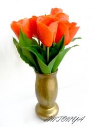 Высота цветка 33 см. Количество тюльпанов в букете по желанию.   Чистка сухой кистью  Цена указана за цветок с двумя листочками