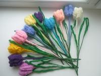 """в""""язані квіти - яскравий акцент у вашому інтерєрі. Не потребують догляду, завжди квітучі та яскраві, незвичний елемент декору. кількість квіточок - за вашим бажанням. Весна прийшла!"""