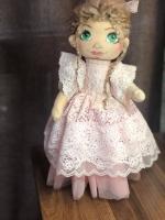 Кукла Тильда розовая   Высота 45 см.   Тело - трикотаж (белый ангел), наполнитель, синтепух, волосы - овечья шерсть, платье - кружево.  Руки, ножки, голова подвижны.