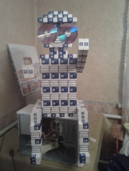 Робот с пачек сигарет LD, сколько точно ушло пачек я не считал. Могу сделать изделия под заказ.