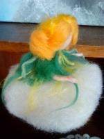 Лялечка з вовни Первоцвіт