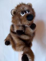 Медвежонок,игрушка-перчатка для домашнего кукольного театра. Размер для женской и детской ( 7 - 10 лет)руки. Изготовлена из искусственного меха,легко стирается в тёплой воде. Работа авторская,повтор возможен.