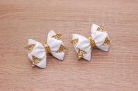Милые и красивые бантики из репса белого цвета и золотистой экокожи. Цена указана за пару