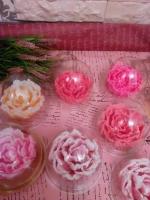 Мильні букети та набори/ троянди та півони під куполом