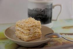 Подарочное мыло с аппетитным ароматом ванили. Мыло упаковано в цветной подарочный крафт-пакетик с бантиком. Состав: основа для мыла, базовое масло, отдушка. Делается под заказ (1 день).