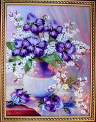 Картина вышита атласными лентами, мулине и бисером. Пусть она станет оригинальным украшением Вашего дома и будет напоминать в долгие зимние вечера, что скоро весна, пробуждение и время надежд!!!