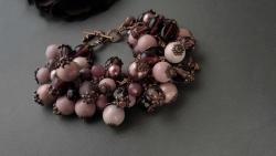 Пастельный розовый браслет
