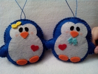 2 закоханих пінгвинчика ручної роботи, можна як на ялинку, можна просто в подарунок) виглядають дуже оригінально. Дивіться інші мої роботи!  Іграшки об′ємні, набиті синтепоном.