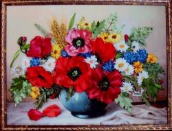 """Картина """"Полевые цветы"""" выполнена атласными лентами способом вышивки и аппликации. Когда я смотрю на этот букет, слышу запах лета, поля и трав. Это лучший подарок для Ваших родных и друзей, а может и для Вас самих. Найдётся ли такой смелый человек, который для себя купит этот аромат полевых цветов?????..."""