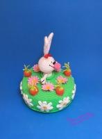 Поздравительный тортик с зайчиком