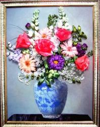 """Картина """"Праздничный букет вышита на качественном принте атласными лентами, использованы декоративные элементы для украшения, а также бисер, глиттер. Это прекрасный подарок к любому празднику!..."""