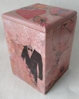 Романтична скринька під будь-які дрібнички. Виготовлю за вашими побажаннями інших розмірів та тематики. Декупаж, акриловий лак.